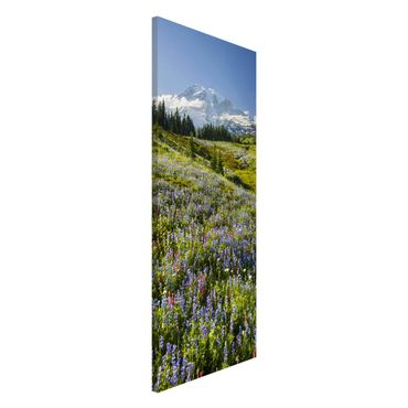 Lavagna magnetica - Mountain Meadow With Flowers In Front Of Mt. Rainier - Panorama formato verticale