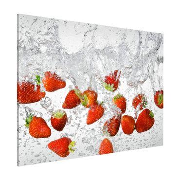 Lavagna magnetica - Fresh Strawberries In Water - Formato orizzontale 3:4