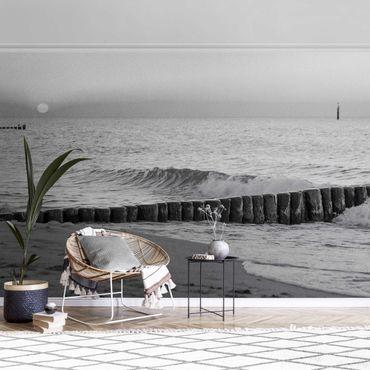 Carta da parati metallizzata - Tramonto sul mare in bianco e nero
