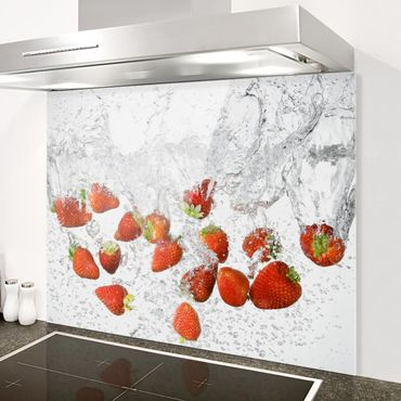 Paraschizzi in vetro - Fresh Strawberries In Water - Orizzontale 1:2