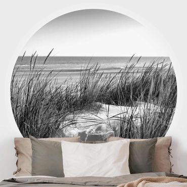 Carta da parati rotonda autoadesiva - duna spiaggia al mare in bianco e nero