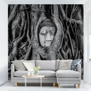Carta da parati - Buddha in Ayutthaya lined by tree roots in black-and-white