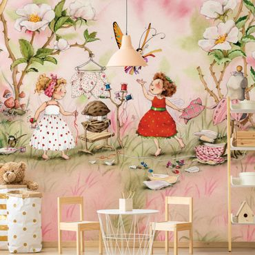 Carta da parati - The Strawberry Fairy - Tailer room