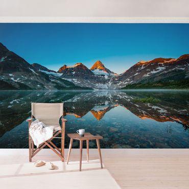 Carta da parati - Mountain landscape at Lake Magog in Canada