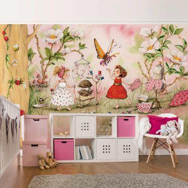 Carta da parati - The Strawberry Fairy - Tailer room