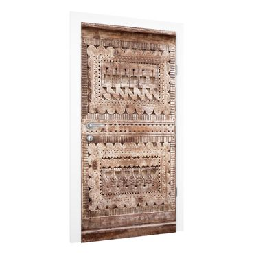 Carta da parati per porte - Old ornate Moroccan wooden door in Essaouria
