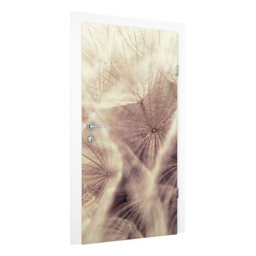 Carta da parati per porte - Detailed dandelions macro shot with vintage blur effect