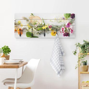 Appendiabiti in legno - Erbe fresche con fiori commestibili