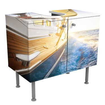 Mobile per lavabo design Sailboat on blue sea at sunshine