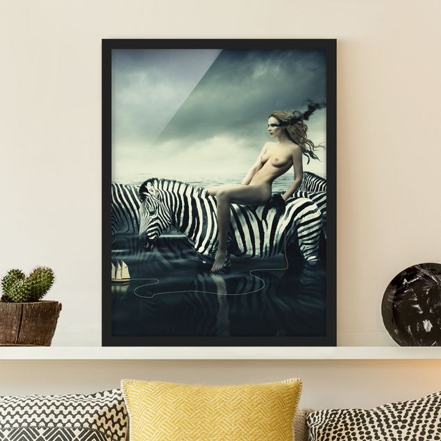 Poster con cornice - Woman Posing With Zebras - Verticale 4:3