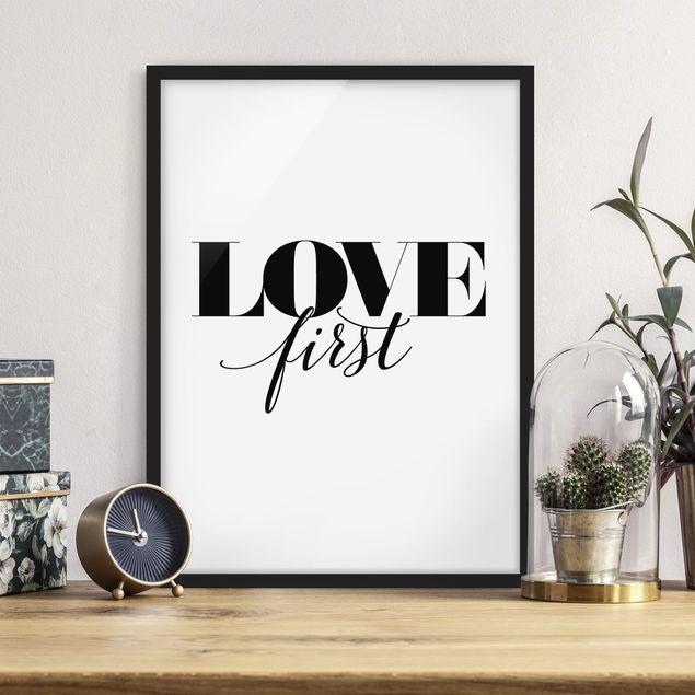 Poster con cornice - Love First - Verticale 4:3