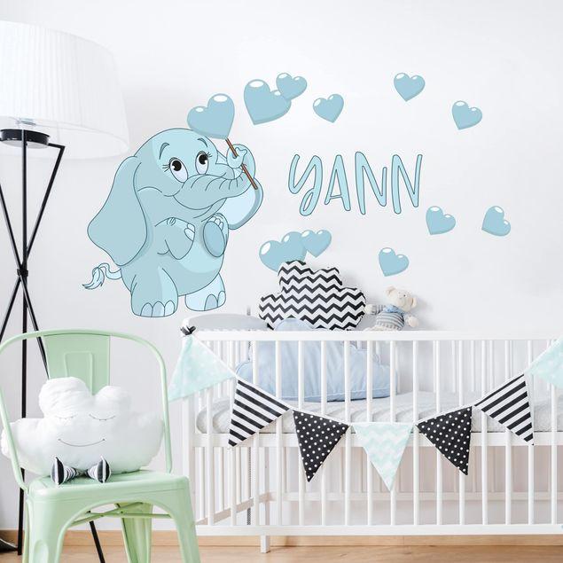 Adesivo murale bambini - Elefantino blu con cuori e nome personalizzato