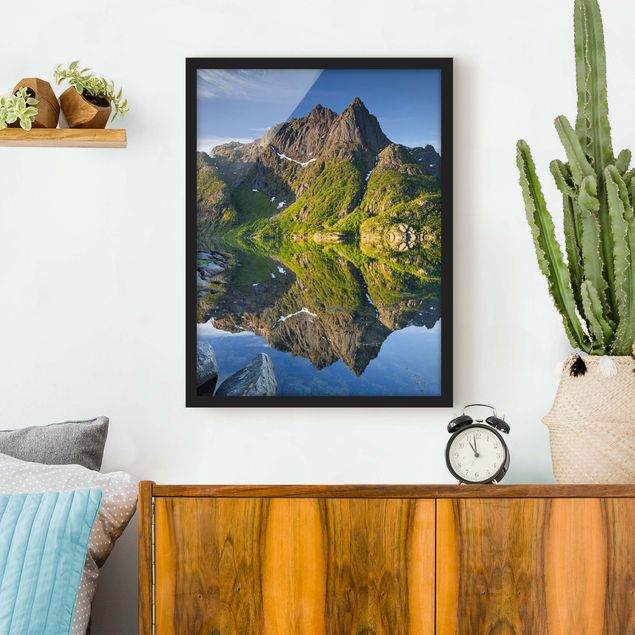 Poster con cornice - Mountain Landscape With Water Reflection In Norway - Verticale 4:3